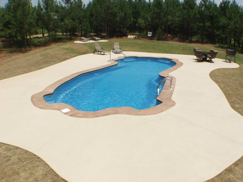<div class='closebutton' onclick='return hs.close(this)' title='Close'></div><div class='firstH'><img src='images/logo-white-small.png'></div><h1>Rio Grande Fiberglass Pools</h1><p>Size: 18' x 43'<br>Depth: 3' 6'' - 8'<br>Gallons: 24500<br>Square Feet: 714</p><div class='getSocial'><h1>Share</h1><p class='photoBy'>Photo by Gulf Coast Pools</p><iframe src='http://www.facebook.com/plugins/like.php?href=http%3A%2F%2Fgulfcoastpoolsllc.com%2Fimages%2Fcaribbean-bay%2Fmayan%201.jpg&send=false&layout=button_count&width=100&show_faces=false&action=like&colorscheme=light&font&height=21' scrolling='no' frameborder='0' style='border:none; overflow:hidden; width:100px; height:21px;' allowTransparency='true'></iframe><br><a href='http://pinterest.com/pin/create/button/?url=http%3A%2F%2Fwww.gulfcoastpoolsllc.com&media=http%3A%2F%2Fwww.gulfcoastpoolsllc.com%2Fimages%2Fcaribbean-bay%2Fmayan%201.jpg&description=Pools' data-pin-do='buttonPin' data-pin-config=\'above\'><img src='http://assets.pinterest.com/images/pidgets/pin_it_button.png' /></a><br></div>