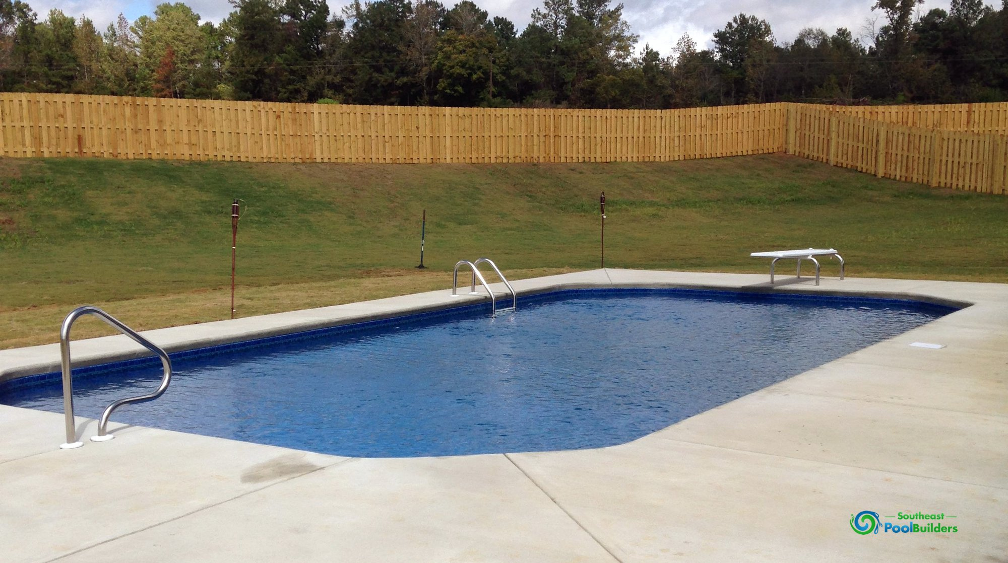 Vinyl liner pools custom pool builder central alabama for Pool builders